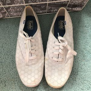 White Lace Ked's